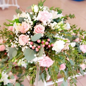 Kvetinová výzdoba na svadobné stoly Ana Fiori 8