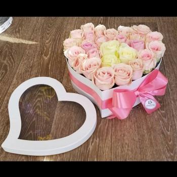 Kvetinový box Ruže AnaFiori 13