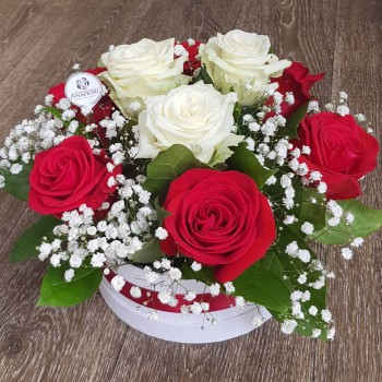 Kvetinový box Ruže AnaFiori 10