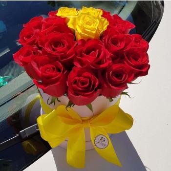 Kvetinový box Ruže AnaFiori 4