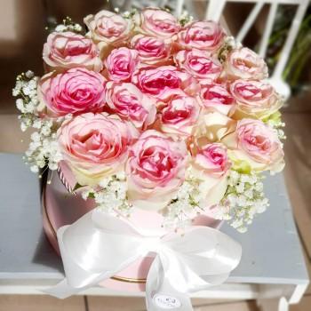 Kvetinový box Ruže AnaFiori 7