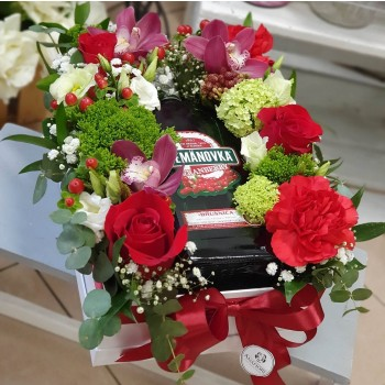 Kvetinový box s darčekom AnaFiori 2