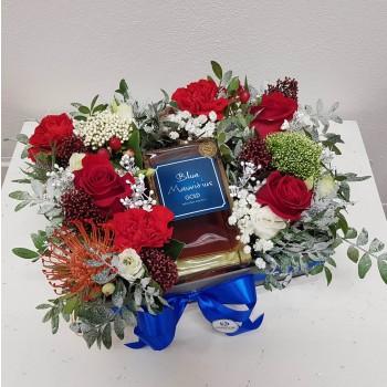 Kvetinový box s darčekom AnaFiori 3